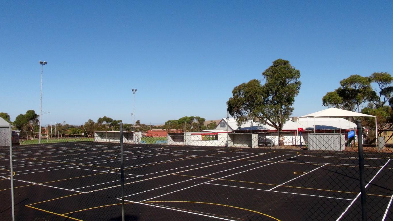 Eudunda Tennis - Netball Courts Resurfaced